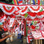 Jelang HUT RI 2019, Pedagang Bendera Menjamur di Jalan Protokol Yos Sudarso
