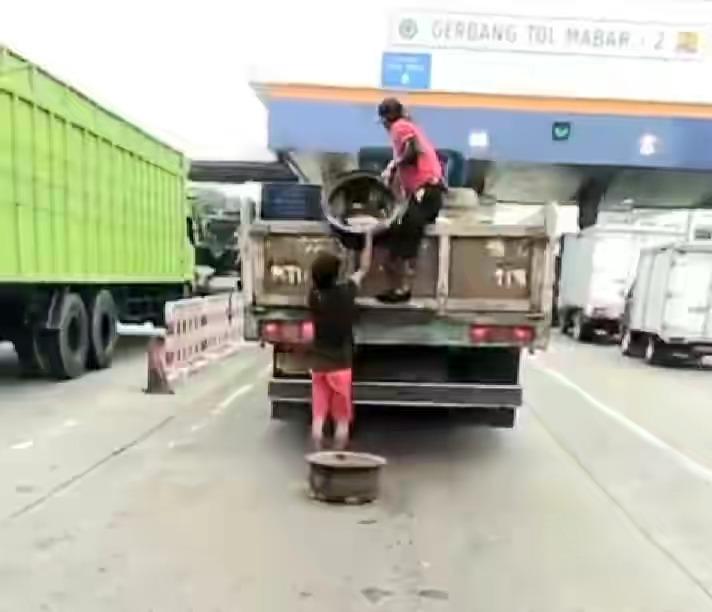Bajing Loncat Merajalela Di Jalan Tol Mabar
