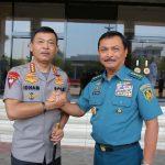 Kapolri Melaksanakan Silaturahmi dengan Kepala Staf Angkatan Laut dan Kepala Staf Umum TNI di Mabes TNI
