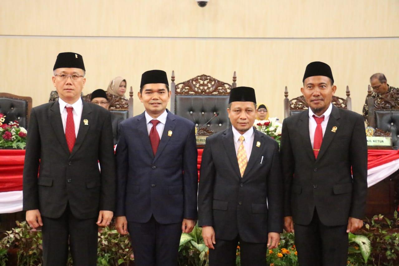 Ketua Pengadilan Negeri Medan Kukuhkan Pimpinan DPRD Kota Medan Periode 2019 - 2024