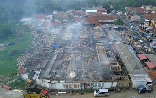 Pasar Baros Terbakar, Pedagang Alami Kerugian Besar dan Bingung