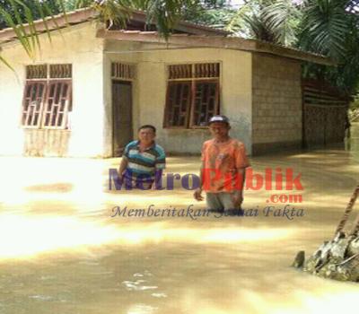 Ratusan Rumah di Kecamatan Tinggi Raja Asahan Terendam Banjir