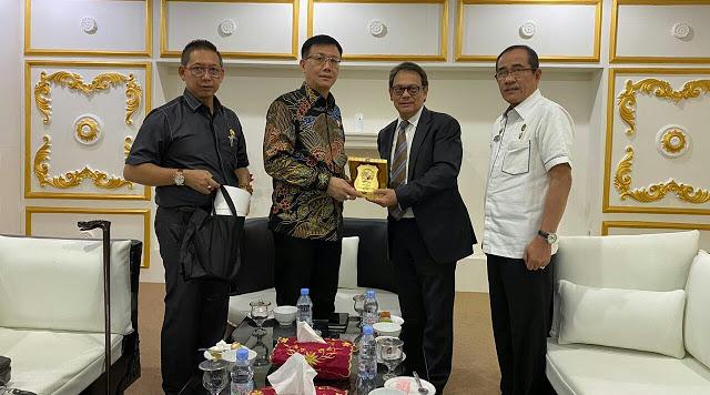 Silaturahmi Ke DPRD Medan