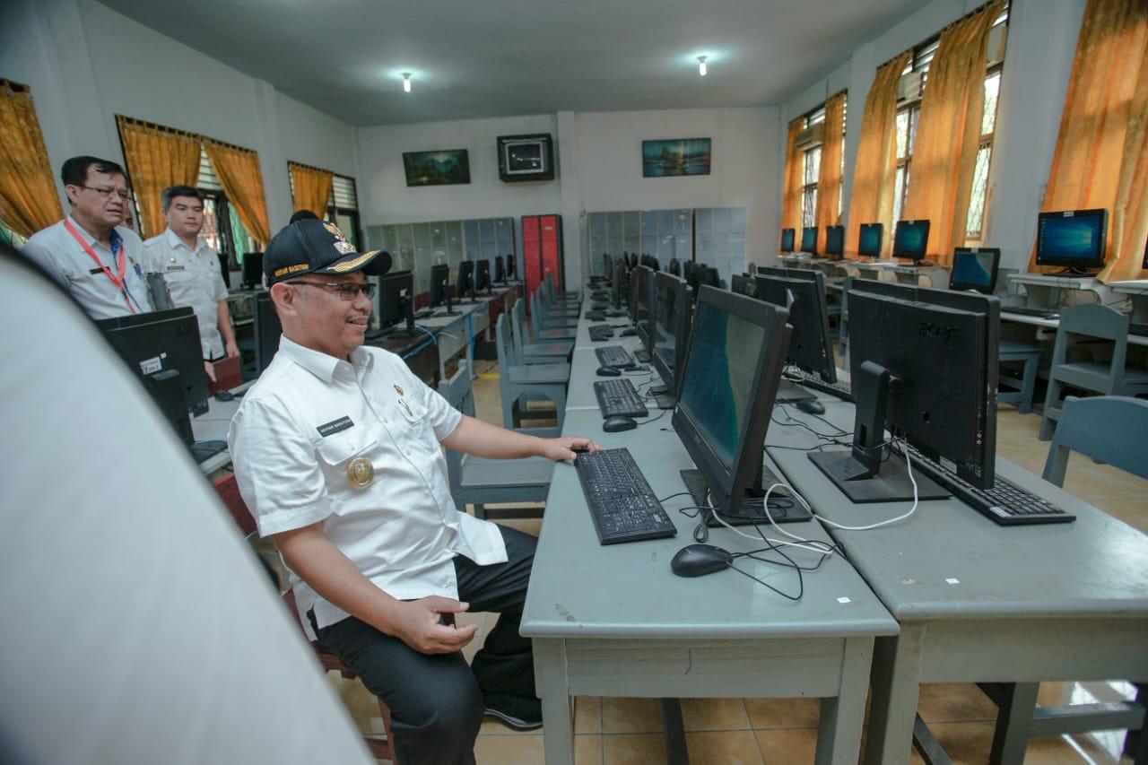Ujian CPNS Di SMPN 1 Medan