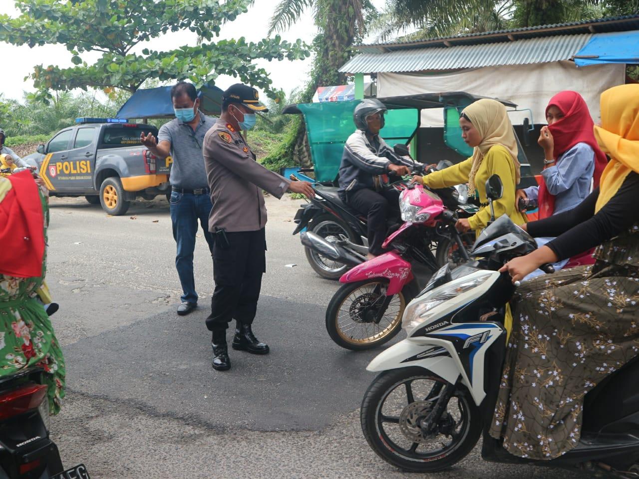 Polres Sergai Lakukan Penyekatan Kendaraan