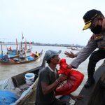 Kapolda Sumut Bagikan 350 Paket Sembako