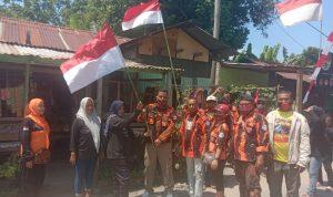 Kader PP Bersama Ampibi Ajak Warga Pasang Bendera, Jelang HUT RI ke -75