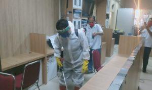 Kantor Wali Kota Medan Disemprot Cairan Disinfektan
