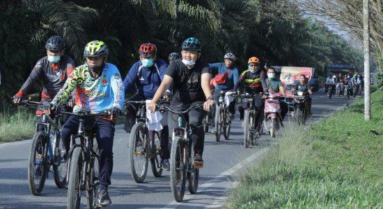 Bupati Asahan dan Komunitas Sepeda Gowes Bersama