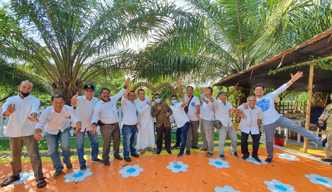 Tim 11 Jurnalis Medan Utara Peringati HUT Perdana