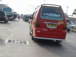 DPRD Medan Minta Kemenhub Tertibkan Bus Yang Parkir di Sisingamangaraja