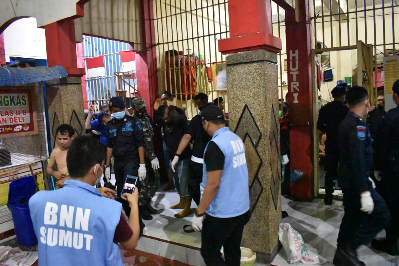 Razia Gabungan, Satu Tahanan Positif Narkoba di Rutan Labuhandeli
