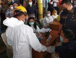 Wali Kota Medan Tinjau Vaksinasi Pedagang di Pasar Tradisional
