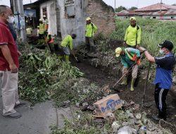 Jajaran Kecamatan Medan Timur Gotong Royong Massal di Jalan Ampera