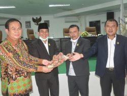 Bupati Hadiri Rapat Paripurna Istimewa DPRD Kabupaten Nias