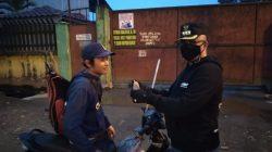 Tim Pemantau dan Pencegahan Asmara Subuh Pemko Medan Bagikan Masker Kepada Masyarakat