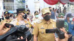 Wali Kota dan Kapolrestabes Medan Lepas Petugas Penyemprotan Disinfektan Skala Besar