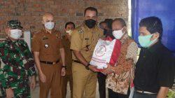 Wakil Wali Kota Salurkan 300 Paket Sembako Kepada Pertuni Kota Medan