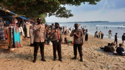 Disiplinkan Prokes di Destinasi Wisata, Personel Ditpamobvit Polda Banten Gelar Patroli