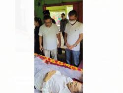Bupati Nias Melayat atas Meninggalnya Orang Tua Jurnalis Metropublik.com