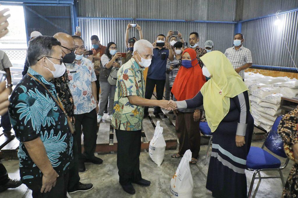 53.568 KPM Mendapatkan Beras Bantuan PPKM 2021 Dari Pemkab Asahan