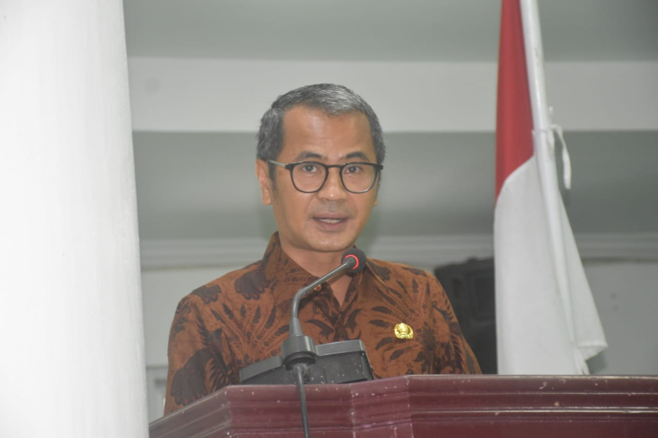 Bupati Nias Sampaikan Nota Jawaban Atas Pandangan Umum Fraksi DPRD Kabupaten Nias Tentang Pembentukan Perangkat Daerah