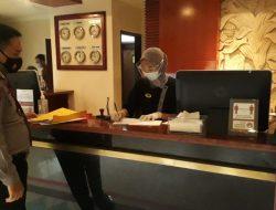 Personel Ditpamobvit Polda Banten Berikan Imbauan di Hotel dan Pusat Perbelanjaan