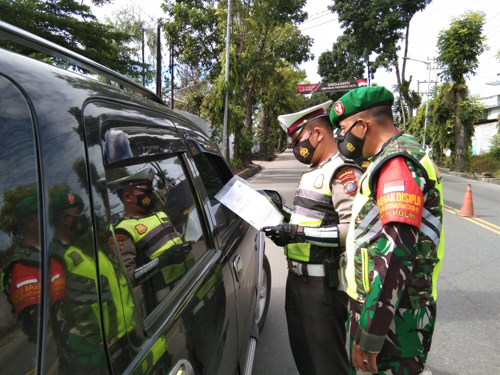 Ratusan Kendaraan Menuju Siantar Diputar Balik selama PPKM Level 4