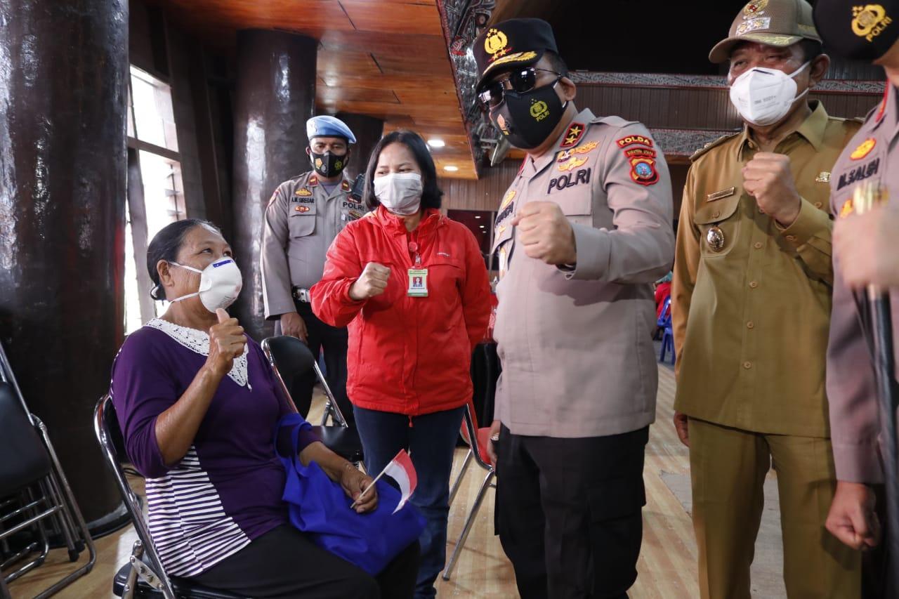 Kapoldasu Tinjau Vaksinasi Tahap II di Kabupaten Taput