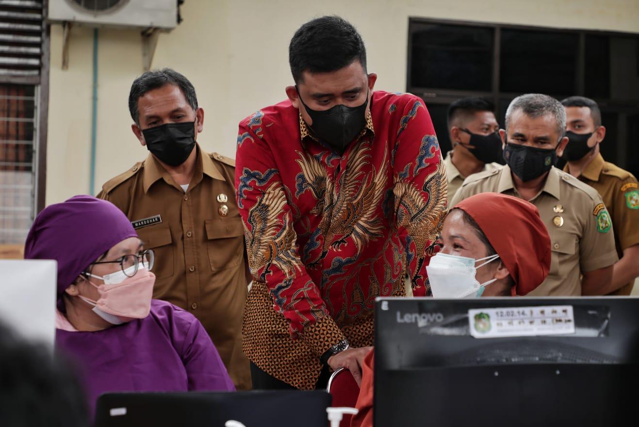 Menantu Jokowi Komitmen Tekan Angka Penyebaran Covid-19
