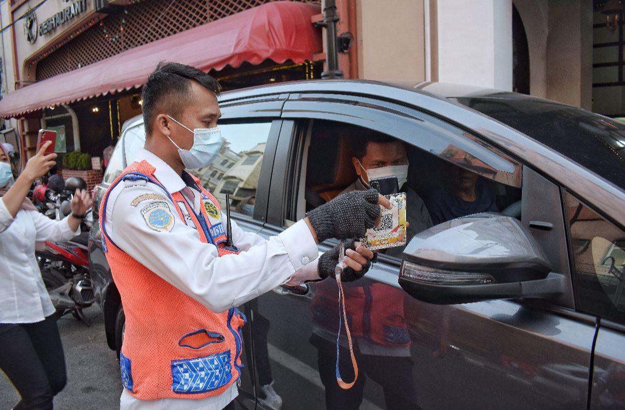 Ciptakan E-Parking, Bobby Wali Kota Medan Pertama yang Mampu Selamatkan PAD Parkir